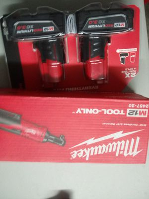 """MILWAUKEE M12 3/8"""" RATCHET AND XC3.0 BATTERY for Sale in Lehigh Acres, FL"""