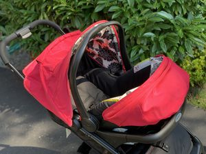 Graco Snugride 30 Quick Connect with stroller for Sale in Smithtown, NY
