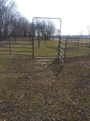 Round pen. 20 panels for Sale in Rockford, IL