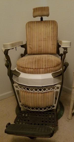 Emil J. Paidar of Chicago Antique Barber Chair for Sale in Fairburn, GA