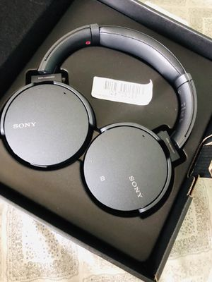 Sony wireless headphones for Sale in Los Angeles, CA