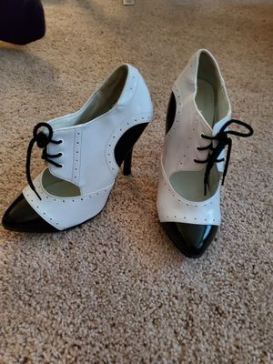 Sadle shoes womens heels for Sale in Bellevue, TN