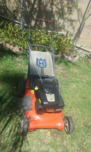 Husqvarna push lawnmower works good price is firm no lowballers please no trades for Sale in Fontana, CA
