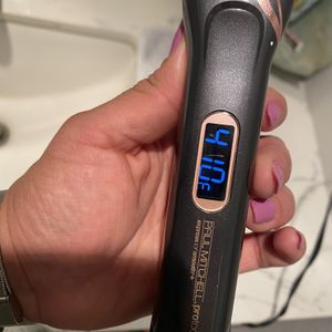 Paul Mitchell Hair Straightener for Sale in Los Angeles, CA