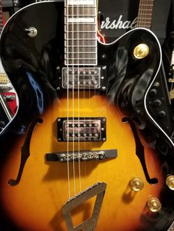 Gretsch 2420 hollow body electric guitar for Sale in Everett,  WA