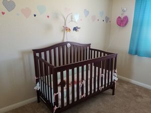 Crib that also can be a toddler bed comes with mattress $50 for Sale in Pittsburg, CA