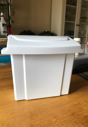 Sanitary Receptacle for Sale in Salinas, CA