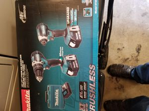 Makita 18-Volt LXT Lithium-Ion Brushless Cordless Hammer Drill and Impact Driver Combo Kit (2-Tool) w/ (2) 4Ah Batteries, Case for Sale in Elk Grove, CA