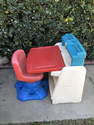 Kids Desk for Sale in Rancho Cucamonga, CA