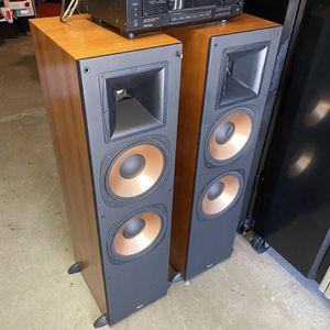 Klipsch RF-7 Reference Series Large Standing Floor Speakers Hige Power Cherry Wood Finish CLEAN for Sale in Yorba Linda, CA