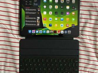 """Apple iPad Pro 2020 11"""" 256GB Wifi + Cellular for Sale in Helper,  UT"""
