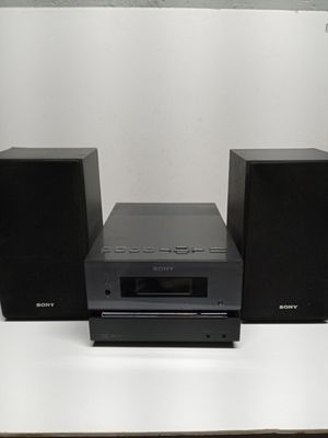 Sony compact disc receiver with matching speakers for Sale in Waterbury, CT