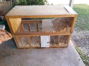 Huge sturdy cage with bottom pull out for easy cleaning for Sale in Port Neches, TX