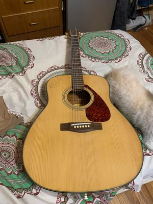 Yamaha F35 Guitar in very good condition for Sale in Queens, NY
