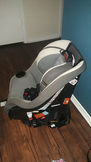 Graco car seat for Sale in Dallas, TX