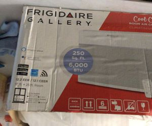 Frigidaire 6000 BTU window ac unit with wifi Smart air conditioner for Sale in Houston, TX