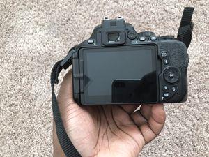 Nikon D5600 for Sale in Alexandria, VA