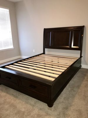 4 Piece Cherry Oak Bed Room Set (Bonus Flat Screen Stand) for Sale in Orlando, FL