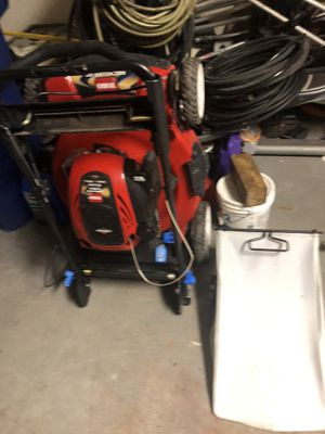 Red toro bull recycler lawn mower / lawnmower like new smart stow retails for $428 plus for Sale in Miramar, FL