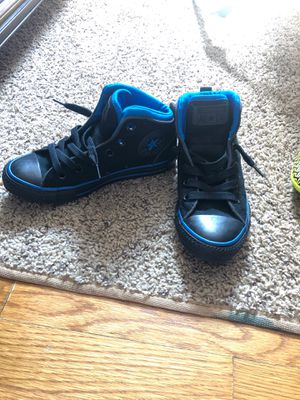 Converse All Star Black and Blue High Top Boys Size 2 for Sale in Dearborn Heights, MI