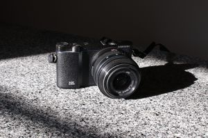 Samsung NX3300 Mirrorless Camers for Sale in New Britain, CT