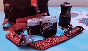 ViNtAgE minolta CaMeRa WiTh ExTrA Macro Lens & BaG for Sale in San Antonio, TX