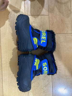Sorel Kids Snow Boots Size 7 for Sale in Pasadena, CA