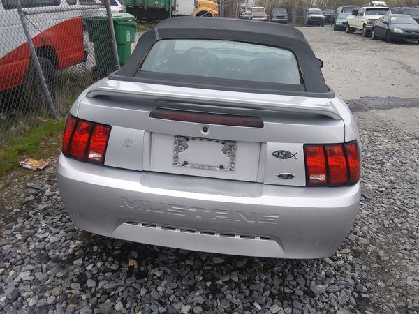 2000 Ford Mustang 119k miles runs and drives!!! NEEDS WORK