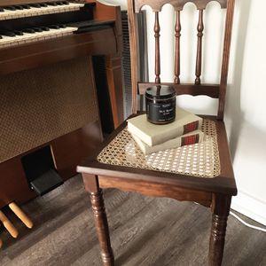 Vintage chair for Sale in Nashville, TN