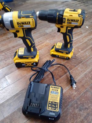 Dewalt 20v max brushless hammer drill combo kit for Sale in Kansas City, MO