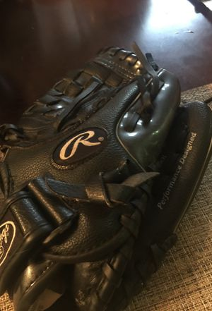 Baseball glove for kids for Sale in Lakewood, CA