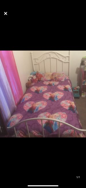 Twin bed for Sale in Killeen, TX