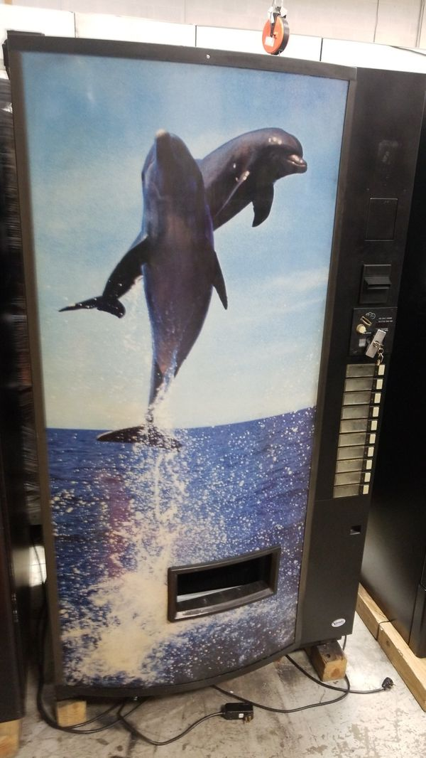 Soda vending machine fully working