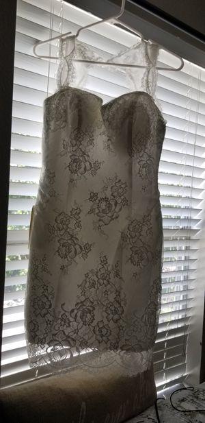 White Dress! Size 4 for Sale in Houston, TX