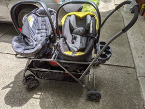 Two Britax b safe car seats and bases and Joovy Twin Roo+ for Sale in Fort Wayne, IN