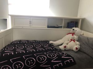 White twin bookcase bed with twin trundle bed for Sale in Coconut Creek, FL