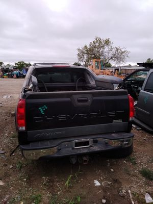2006 Chevy avalanche for parts for Sale in Grand Prairie, TX