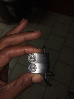 BEATS HEADPHONES WIRELESS 50$$$$$ for Sale in Duncanville, TX