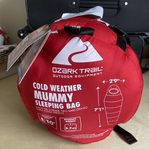 New Cold Mummy Sleeping Bag 10F for Sale in Fremont, CA