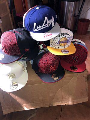 Tengo 40 gorras 🧢 a15 cada una tengo sizes 7 8 y 9 for Sale in Los Angeles, CA