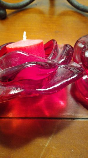 Set of 2 glass red roses candle holders, so pretty for Sale in Valrico, FL