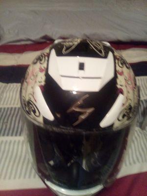 Ladies motorcycle helmet for Sale in Griffin, GA