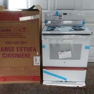 GE ..STOVE for Sale in Houston, TX