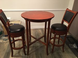 High top Pub Table w/bar stools for Sale in Charlotte, NC