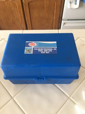 FIRST CHOICE SWIMMING POOL CHLORINE,BROMINE ,PH POOL AND SPA TEST KIT, BRAND NEW , SEALED NEVER USED for Sale in Fresno, CA