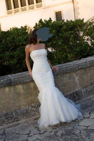 Luna Novias mermaid pre-owned wedding dress for Sale in Miami, FL