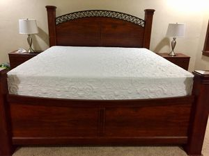 King Bed with 4 drawer under bed storage for Sale in Green Bay, WI