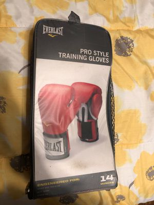 Boxing gloves. for Sale in Los Angeles, CA