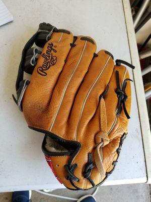 "13"" Rawlings Lefty left baseball softball glove broken in for Sale in Downey, CA"
