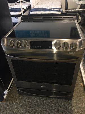 Brand New Black Stainless Steel Elecric Stove Slide-In With Warranty No Credit Needed Just $39 The Down payment Cash price $1,500 for Sale in Garland, TX